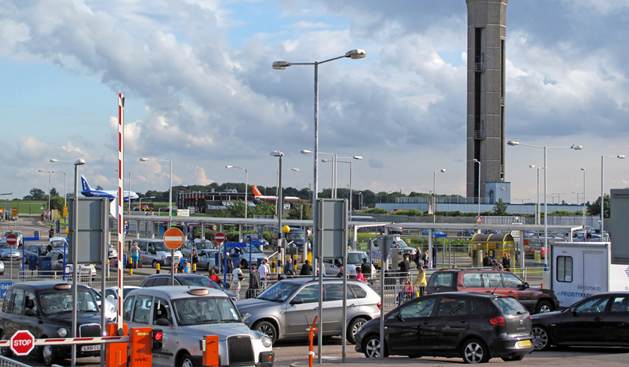 Dropping Off and Picking Up at Luton Airport
