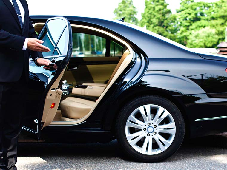 We offer executive service taxis for our business clients