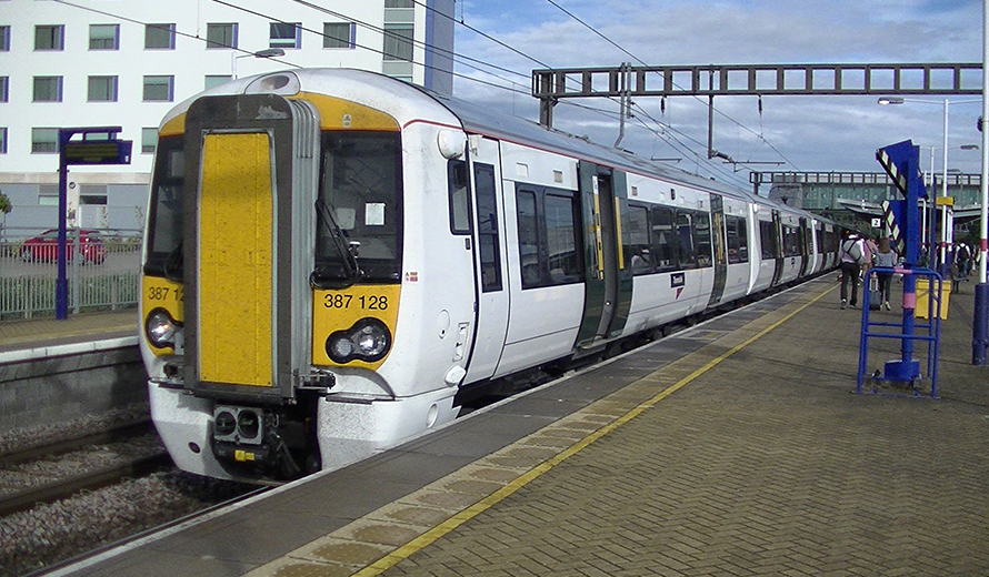 How to Get to Luton Airport by Train?