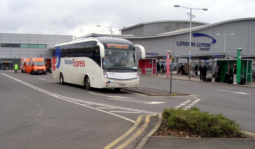 Buses and coaches info to Luton airport